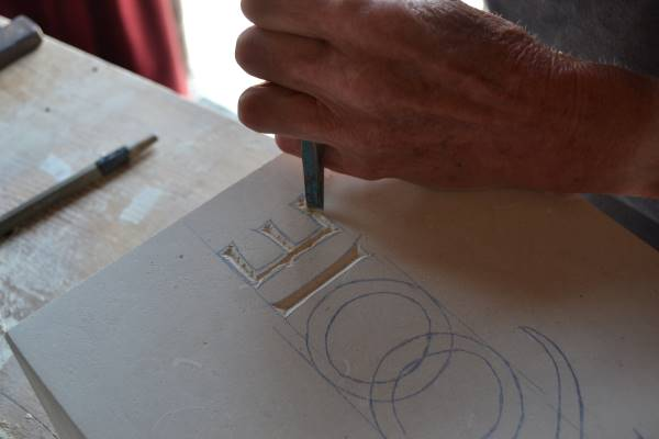 Cursus letterhakken in steen