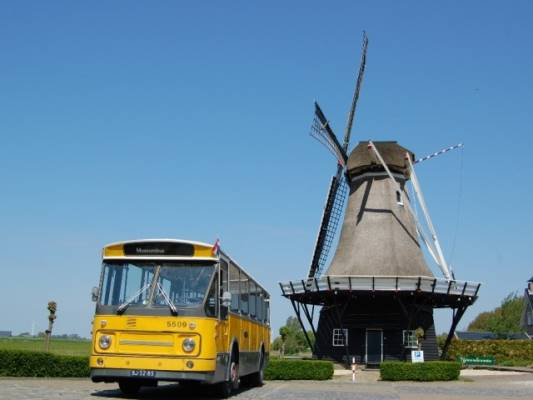 """Excursie """"De tramlijnen rond Oosterwolde"""" met historische bus"""