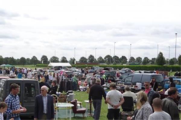 Rommelmarkt (kofferbakverkoop) De Paardenvriend