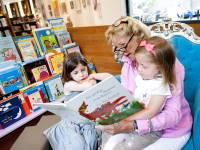Voorlezen op woensdagmiddag in Bibliotheek Helmond