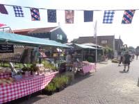 Boerenmarkt Woudsend met gratis vaartochtje door het dorp