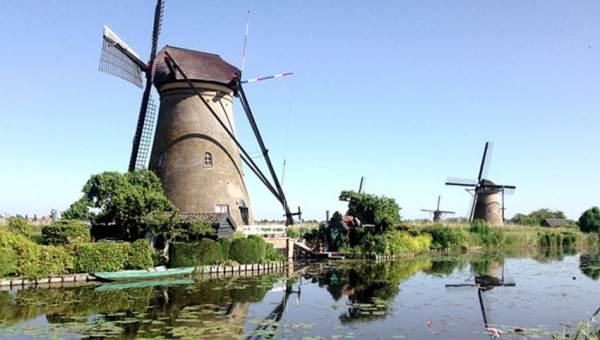 Holland Private Tour Molens, kaas, klompen en Volendam tour