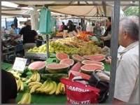 Warenmarkt in Wehl