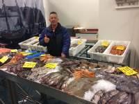 Elke vrijdag verse vismarkt