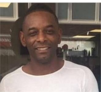 Vermissing 45-jarige Churisan Allen