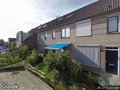 Ambulance naar Wethouder M J van den Hatertstraat in IJzendoorn