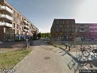 Ambulance naar Suze Robertsonstraat in Amsterdam