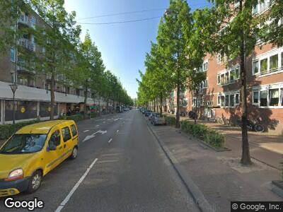 Ambulance naar Molukkenstraat in Amsterdam