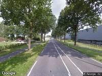 Brandweer en politie naar Vijf Eikenweg in Oosterhout