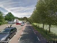Ambulance naar Kromme Zandweg in Rotterdam vanwege personen te water