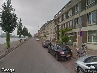 Ambulance naar Maashavenkade in Rotterdam