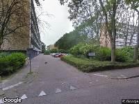 Ambulance naar Koninginnelaan in Vlaardingen