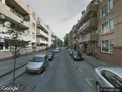 Ambulance met gepaste spoed naar Van Galenstraat in Rotterdam