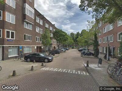 Ambulance met grote spoed naar Schipbeekstraat in Amsterdam