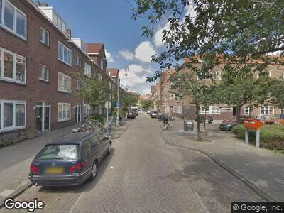 Ambulance naar Thérèse Schwartzeplein in Amsterdam