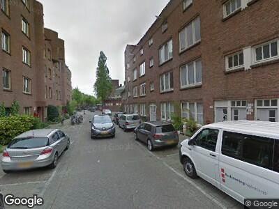 Ambulance met gepaste spoed naar Diamantstraat in Amsterdam