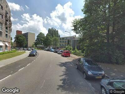 Ambulance met gepaste spoed naar Lindenlaan in Amstelveen