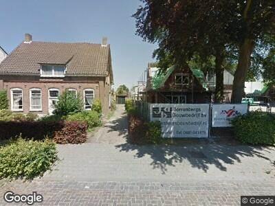 Ambulance met grote spoed naar Oude Provincialeweg in Hapert
