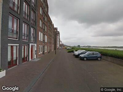 Ambulance met grote spoed naar Spuizicht in Oud-Beijerland
