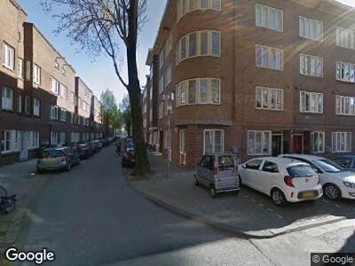 Ambulance met grote spoed naar Jan Lievensstraat in Amsterdam