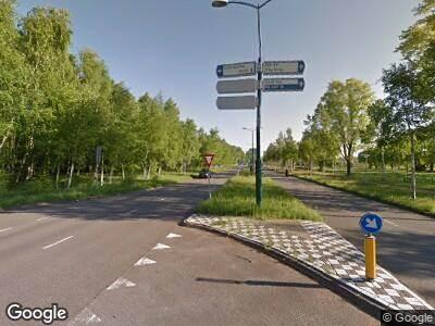 Ambulance met grote spoed naar Prof. Holstlaan in Eindhoven