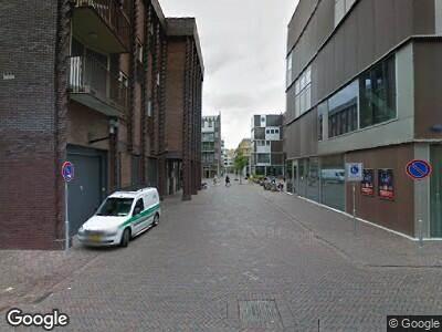 Ambulance met grote spoed naar Waldenlaan in Amsterdam