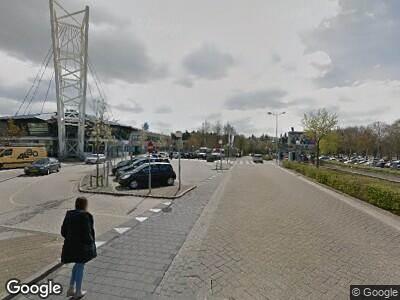 Ambulance met grote spoed naar Weg door Jonkerbos in Nijmegen