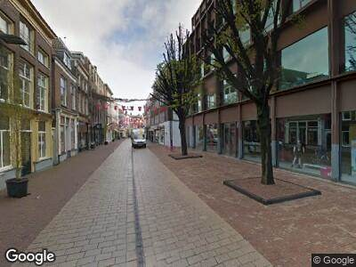 Politie met grote spoed naar Koningstraat in Arnhem