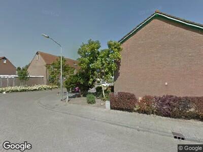 Ambulance met grote spoed naar Lindenlaan in Ooltgensplaat