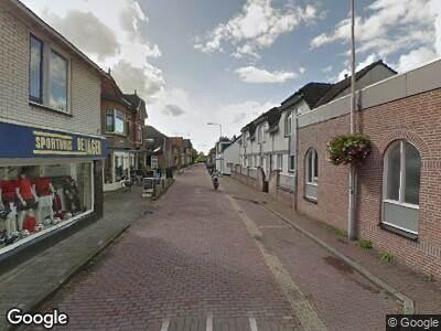 Ambulance met grote spoed naar Kerkstraat in Geldermalsen