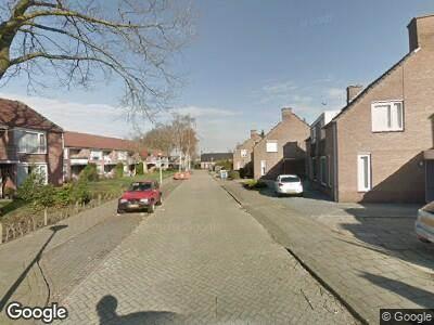 Ambulance met grote spoed naar Amstelstraat in Eindhoven