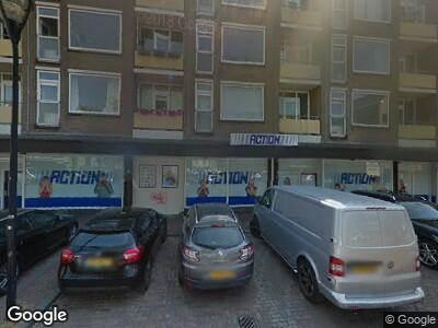 Ambulance met gepaste spoed naar Wijnstraat in Dordrecht