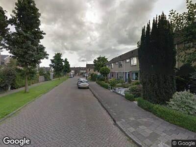 Ambulance met gepaste spoed naar Lange Griendsweer in Hardinxveld-Giessendam
