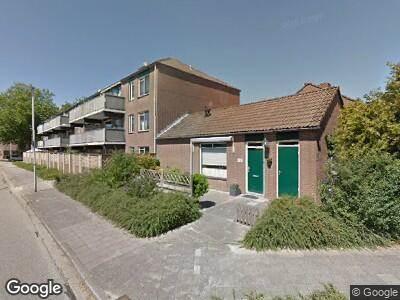 Ambulance met grote spoed naar Bert Haanstrastrook in Zoetermeer