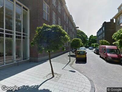 Politie met grote spoed naar Richard Holstraat in Amsterdam vanwege ongeval met letsel