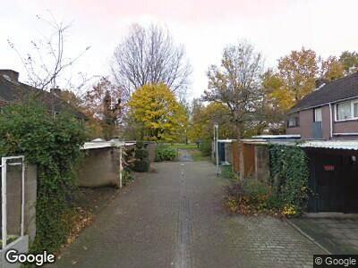Ambulance met grote spoed naar Wieldrechtpad in Arnhem