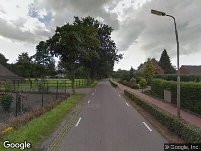 Ambulance met grote spoed naar Bovenstraat in Hoeven
