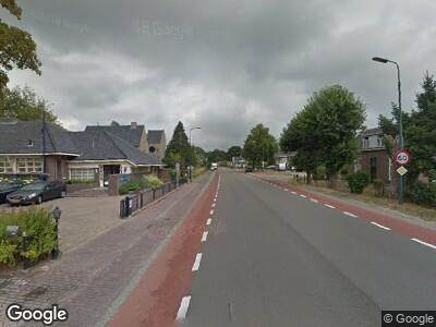 Brandweer met grote spoed naar Nieuweweg-noord in Veenendaal vanwege verkeersongeval
