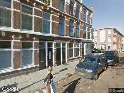 Ambulance met grote spoed naar Newtonplein in 's-Gravenhage