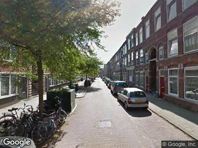 Ambulance met gepaste spoed naar Jacob Marisstraat in 's-Gravenhage