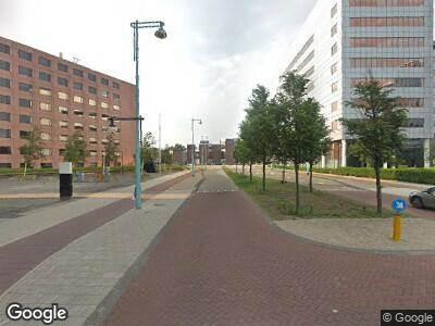Ambulance met grote spoed naar La Guardiaweg in Amsterdam