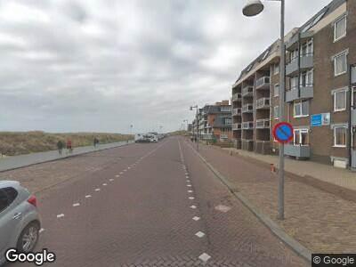 Ambulance met gepaste spoed naar Boulevard in Egmond aan Zee