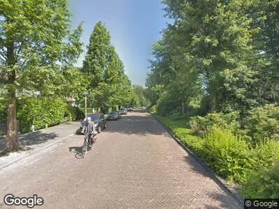 Ambulance met grote spoed naar Prins Bernhardlaan in Amstelveen