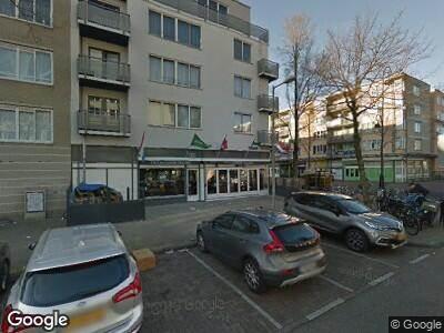 Ambulance met grote spoed naar Von Zesenstraat in Amsterdam