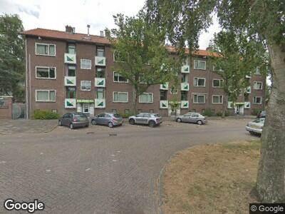 Ambulance naar Lijns Tewisz Roggeplein in Zaandam vanwege verkeersongeval