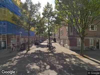Ambulance naar Waverstraat in Amsterdam