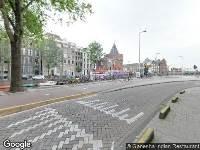 Ambulance naar Geldersekade in Amsterdam