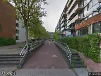 Ambulance naar Woltera van Reesstraat in Amsterdam
