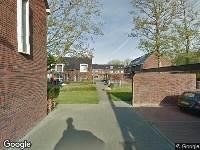 Ambulance naar Nieuw Engelandpad in Hoogvliet Rotterdam