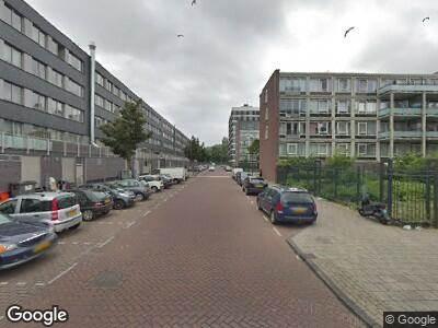 Politie naar Evertsweertstraat in Amsterdam